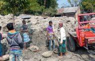 কেউ জানে-কেউ জানে না, সাপমারা খালের মাটি যাচ্ছে পারুলিয়ার সরদার ইটভাটা