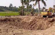 নবগঙ্গা নদী খনন প্রকল্পের ৮০ লাখ টাকার মাটির হদিস নেই