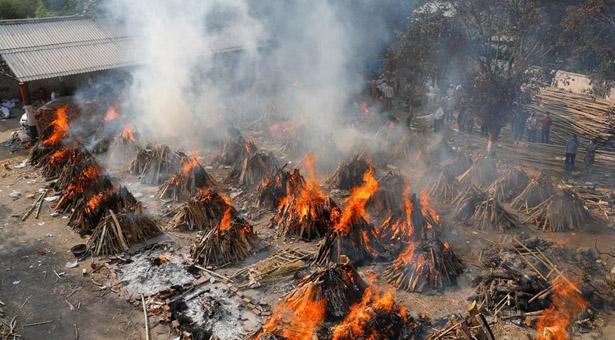 করোনা: বিজ্ঞানীদের সতর্কবার্তা 'কানে নেয়নি' ভারত