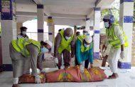 হিন্দু ব্যক্তির লাশ শ্মশানে পৌঁছে দিলো আল-কারীম অক্সিজেন সেবার সদস্যরা
