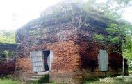বিলীনের পথে ৫০০ বছরের প্রাচীন গুরিন্দা মসজিদ