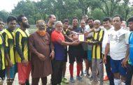 প্রীতি ফুটবল ম্যাচে গুডমনিং ক্লাবের জয় : ৭৫ উর্ধ্ব ফুটবলার হাফিজকে সংবর্ধনা