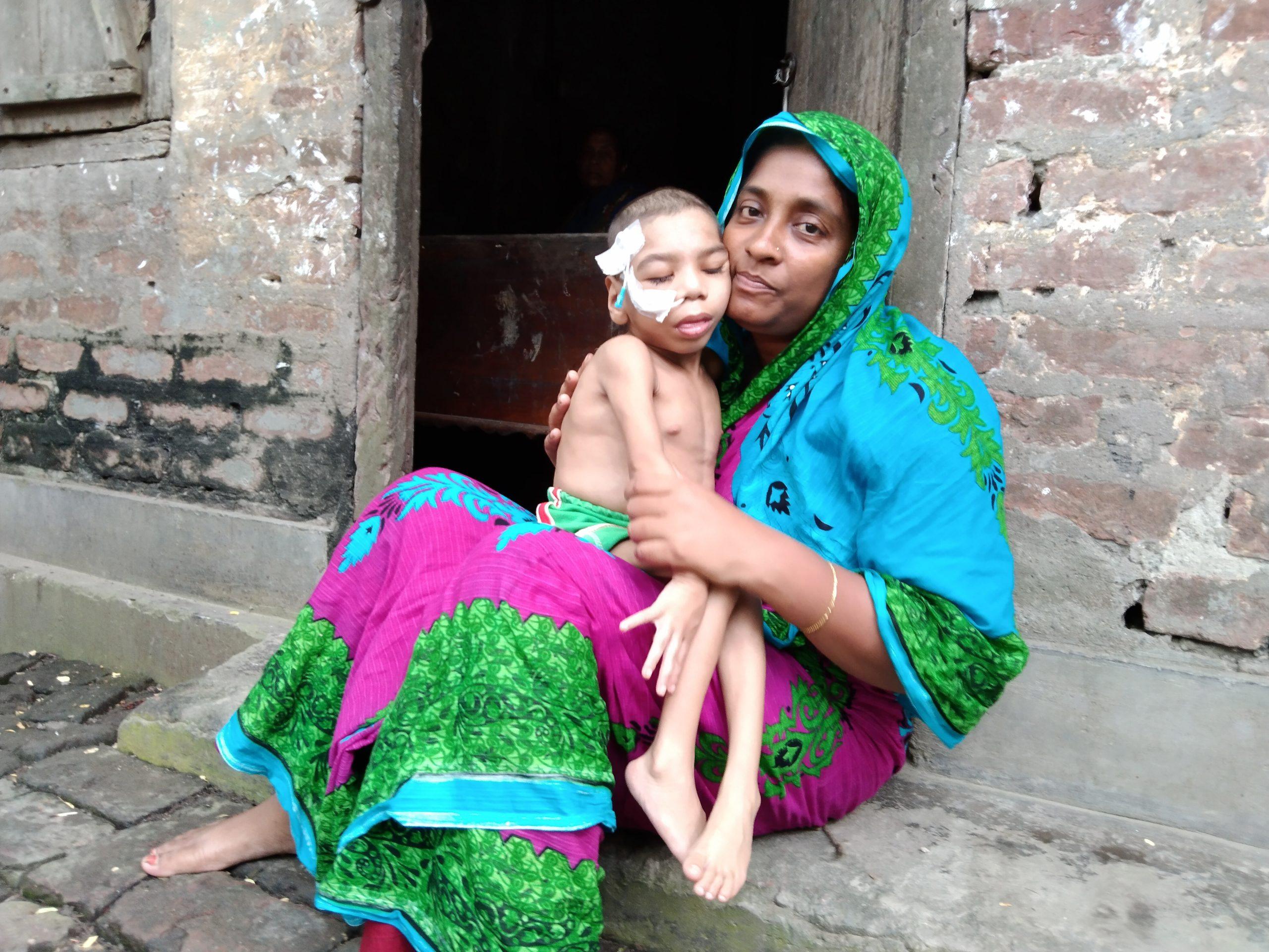 কালীগঞ্জের লাভলী বেগমের কাছে সব মাতৃস্নেহ হার মেনেছে
